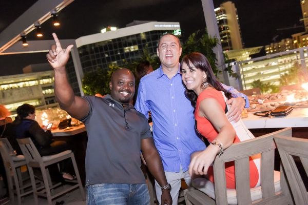 corporate-pictures-photography-rooftop-fort_lauderdale2367867CFDF-182D-B994-C37F-5BB96D036698.jpg